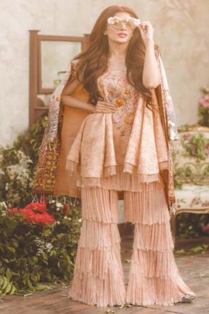 Noor By Sadia Asad Luxury Lawn Collection'18 LA POE'TESSE-D-01